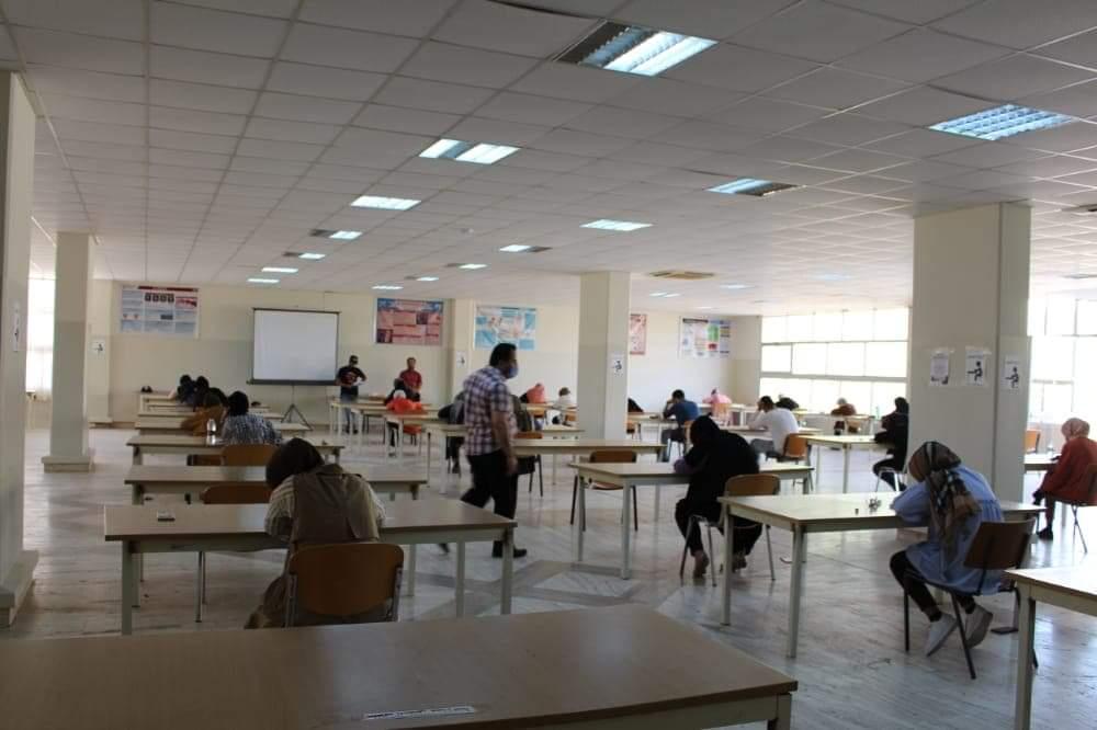 كلية طب وجراحة الفم والأسنان يبدؤون امتحانات الدور الثاني